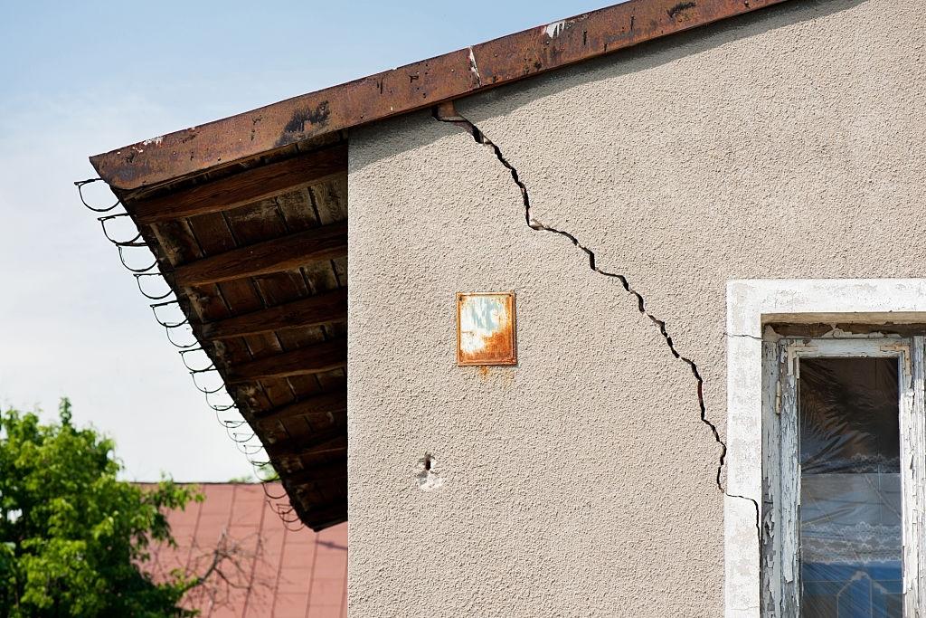 Concrete Cracks & Joints Repair